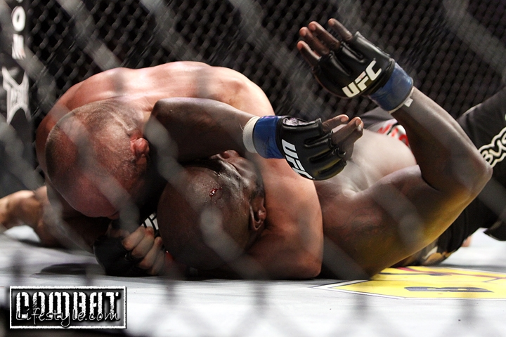 UFC 118: Couture vs Toney