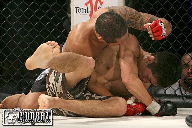 Total Combat: John Macalolooy vs Yosuke Koreeda