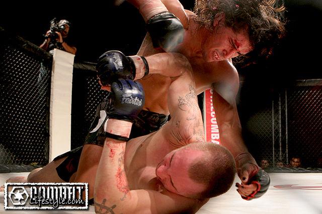 Total Combat: Kevin Dunsmoor vs Ian McCall