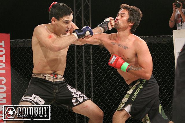Total Combat: Nick Alvarado vs Rolando Perez