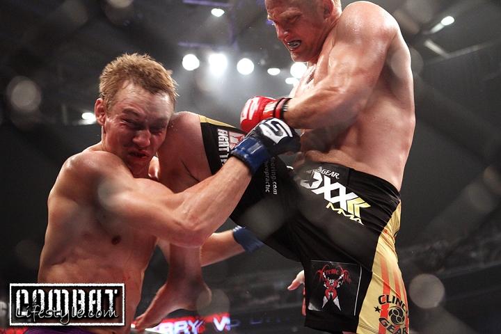 Strikeforce Diaz vs Noons: James Terry vs David Marshall
